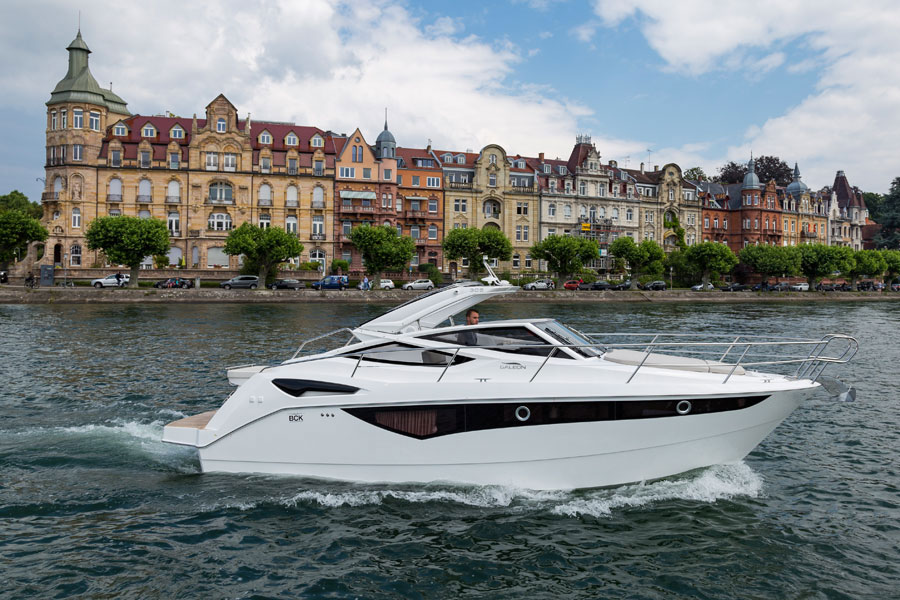Galeon-305-open-running