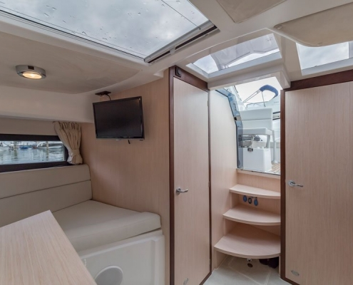 Galeon-305-open-salon