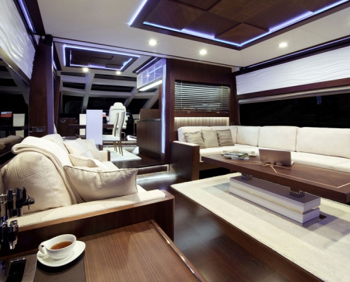 Galeon-780-Crystal-salon-walnuss