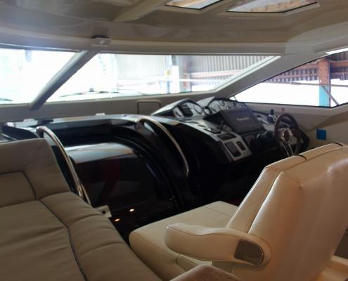 Cockpit und Liegefläche